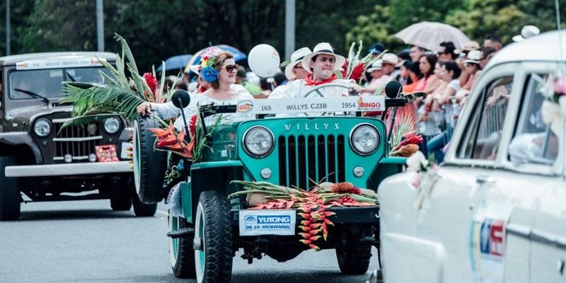 Feria de las Flores Desfile Autos Clasicos